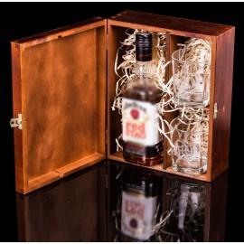 Skrzynka ze szklankami z grawerem