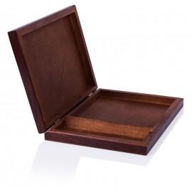 Brązowe pudełko na trzy...